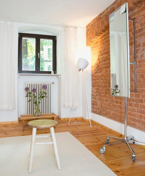 Studio Innenaufnahme mit Hocker,Alexander Technik Mitte